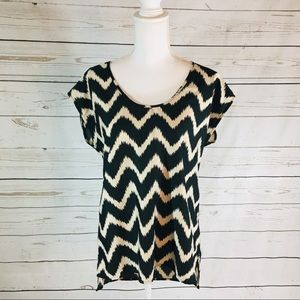 14th & Union Black and Cream blouse